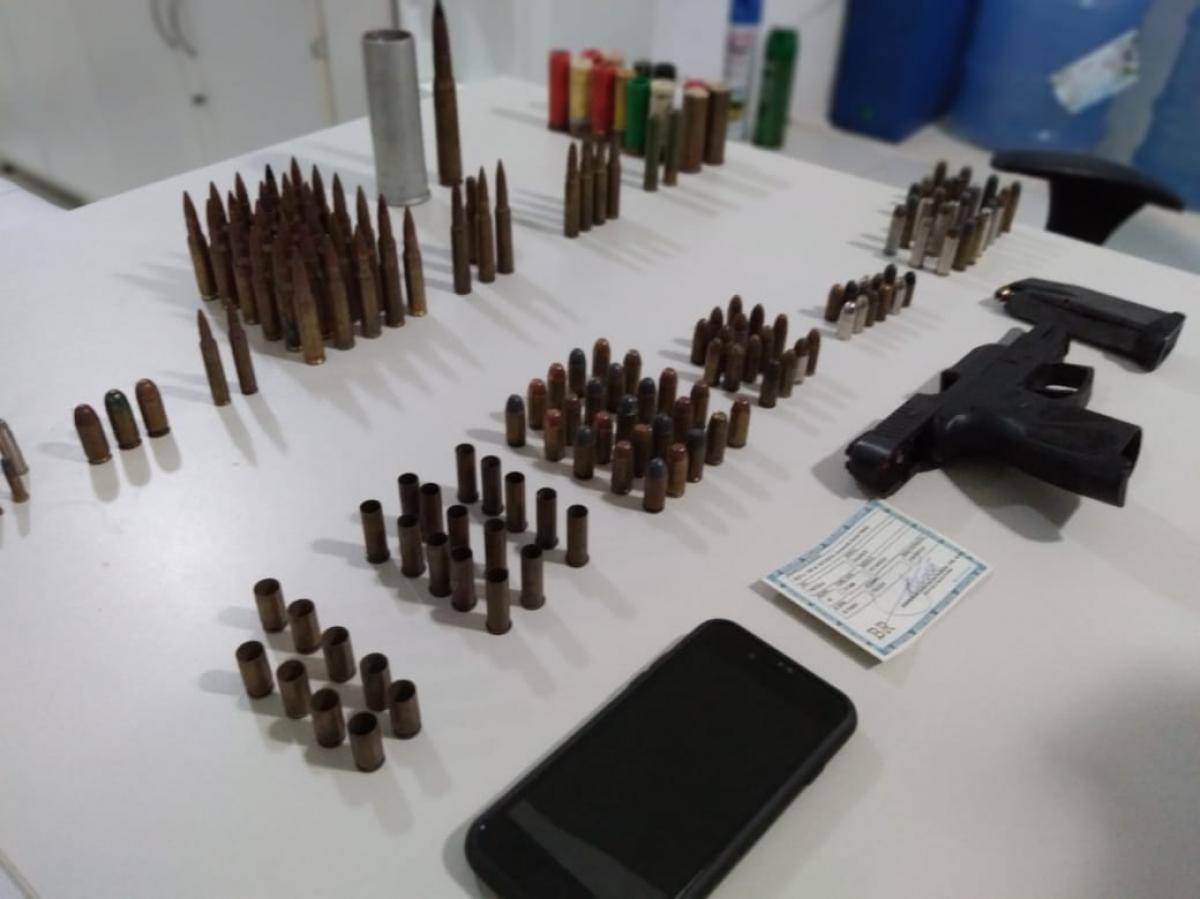 Material apreendido (Foto: Polícia Civil/Reprodução)