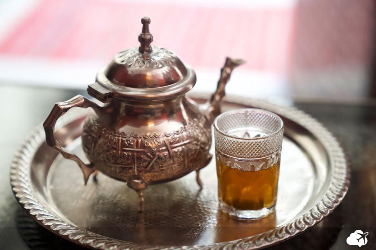 Chá de menta é sempre servido para receber…