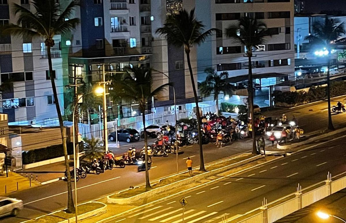 Motoboys protestaram após a confusão. Foto: Cris Silva/Cedida ao F5News