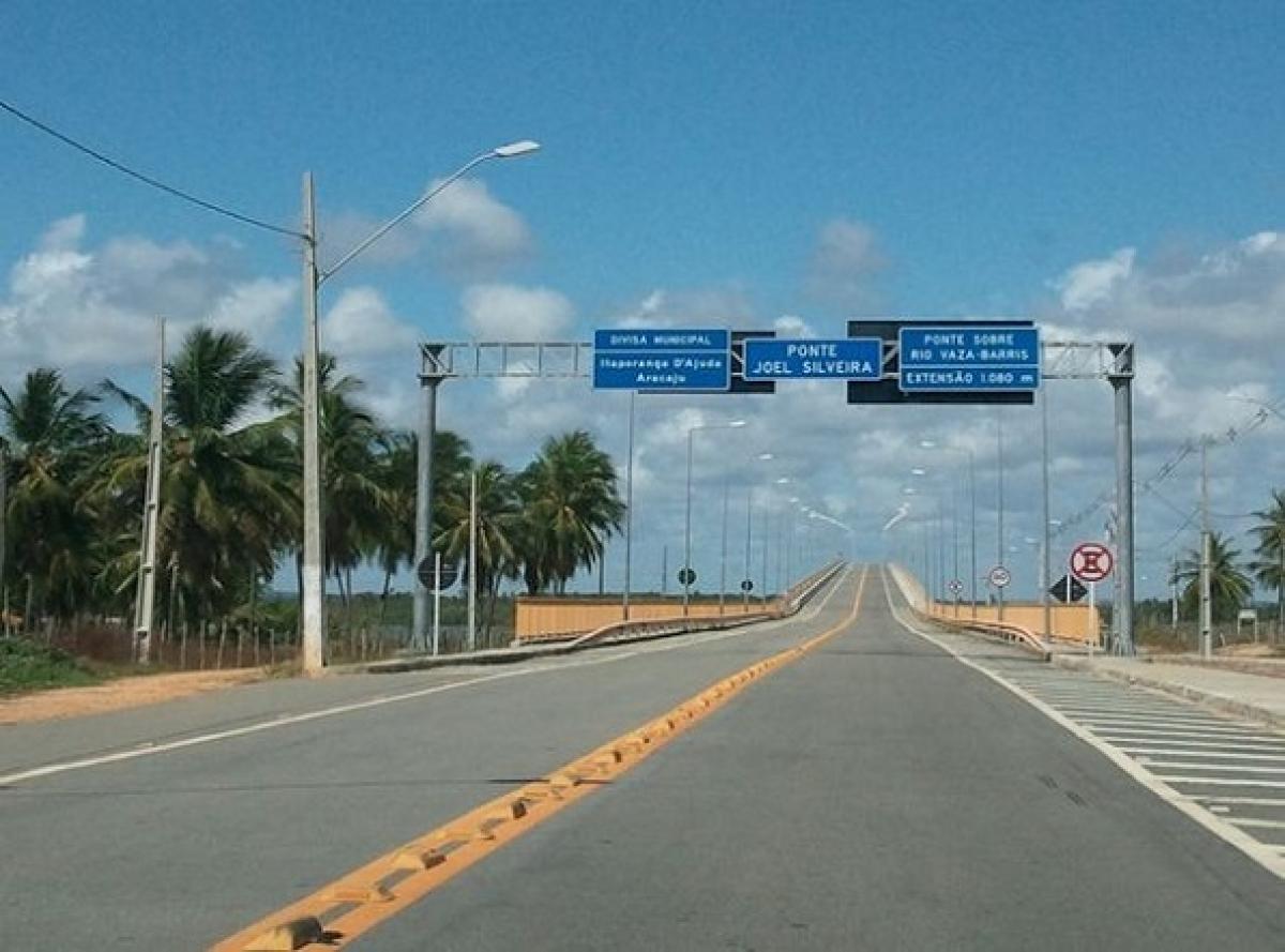 Para chegar na Lagoa dos Tambaquis, é preciso atravessar a Ponte Joel Silveira