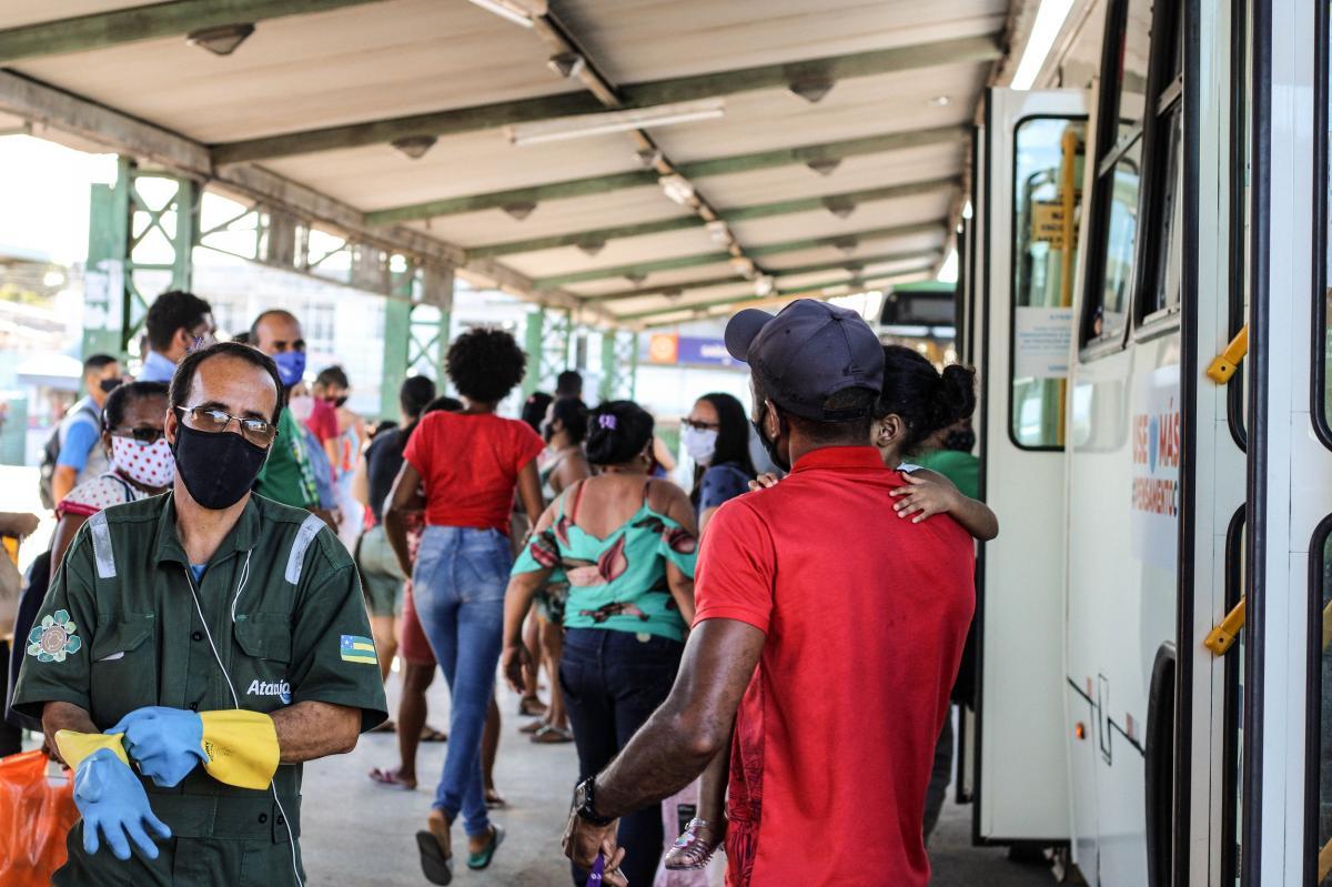PMA tenta acabar com aglomerações no transporte coletivo. Foto: Pedro Ramos/Arquivo F5