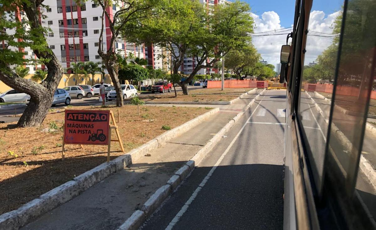 Veículos dividem vias da cidade com obras em andamento. Foto: Saullo Hipolito/ F5 News
