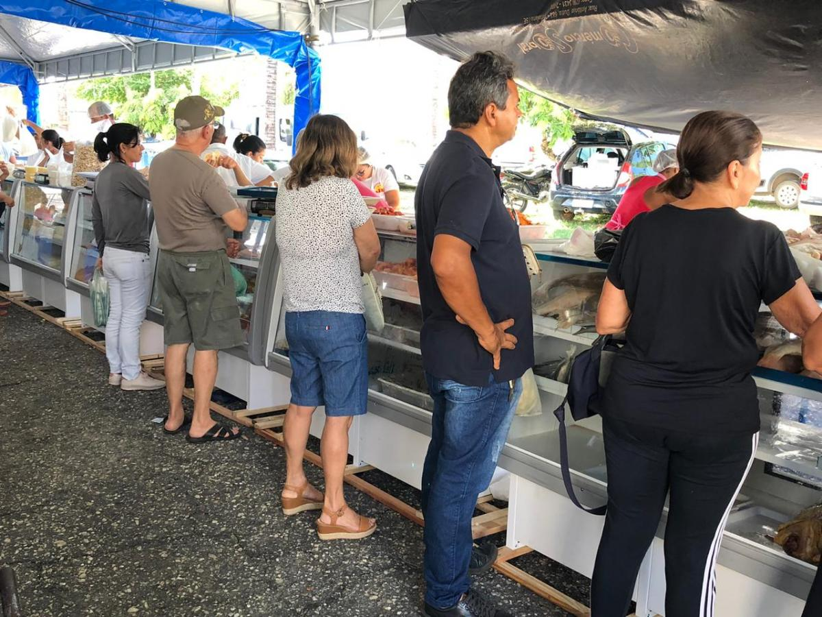 Balcões frigoríferos implementados na feira livre. Foto: Saullo Hipolito/ F5 News