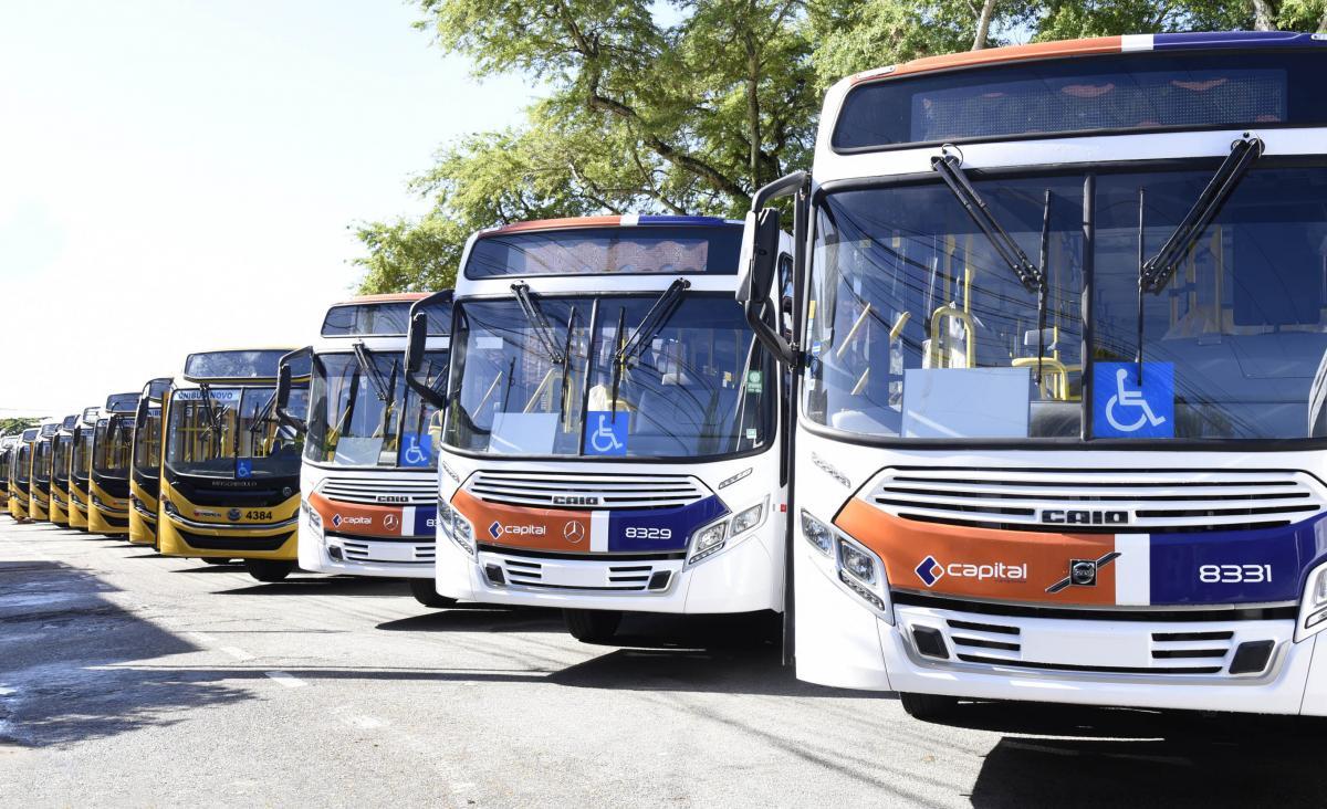 Os 15 ônibus serão colocados na linha 001- Augusto Franco/Bugio. Foto: Ana Lícia Menezes/PMA