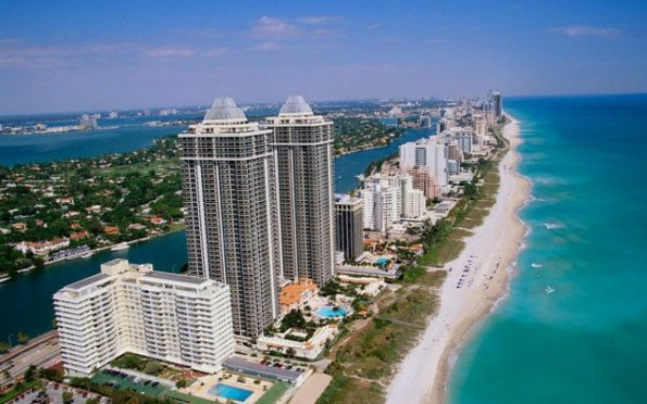 Miami Beach e o seu lindo mar do Caribe