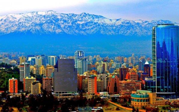 Santiago, cidade moderna entre os Andes