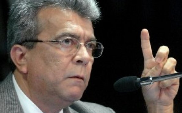 """""""Não estou doente, nem sou incapaz. Isso fica para Gilmar Carvalho, que já se aposentou"""", diz Almeida"""