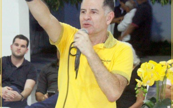 Armando Batalha faz graves denúncias contra prefeito