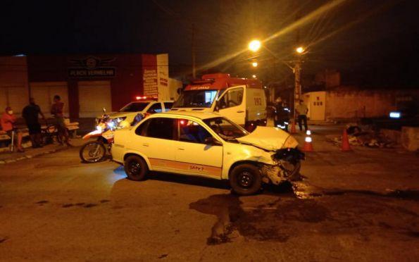 Acidente deixa feridos na avenida Airton Teles, em Aracaju