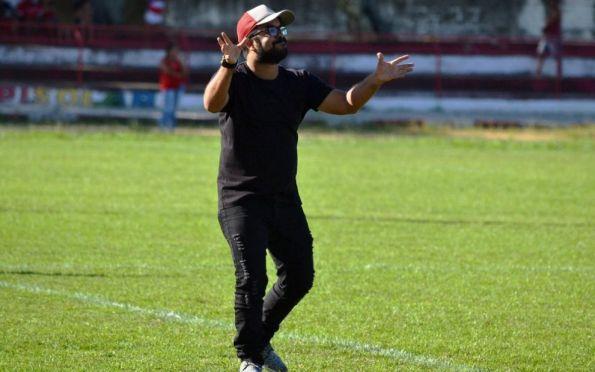 Caio Simões é o novo técnico do Sub-20 do Confiança