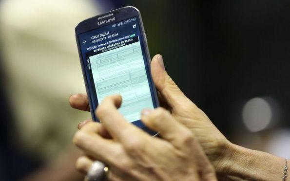 Denatran oferece função de pagamento de multas por aplicativo