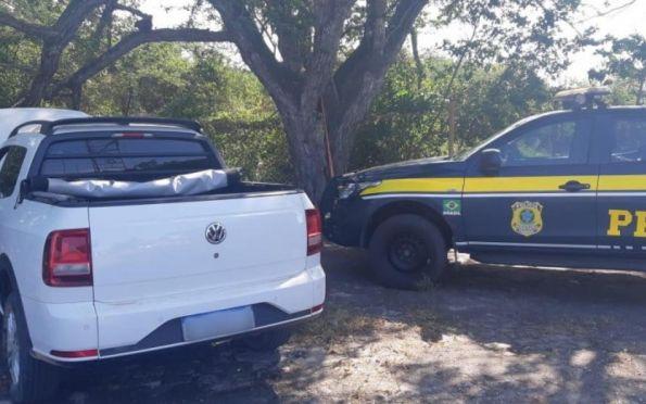 PRF recupera dois veículos com placas de Sergipe roubados na BR 235
