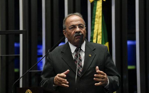 Flagrado com dinheiro na cueca, Chico Rodrigues pede licença do Senado