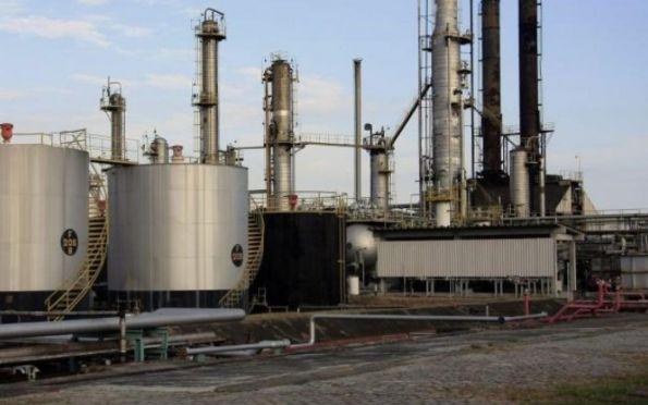Governo do Estado discute implantação de formuladora de combustíveis na Barra