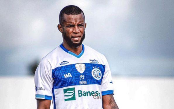 Reforço do Confiança, Gilberto Jr. comenta partida diante do Vitória