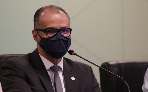 'Situação está longe do fim', diz presidente da Anvisa sobre covid-19