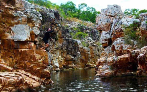 Uma trilha até a Pedra da Arara e a cachoeira de Macambira