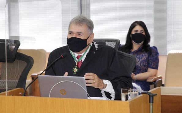 Conselheiro Carlos Alberto Sobral se aposenta após 36 anos no TCE/SE