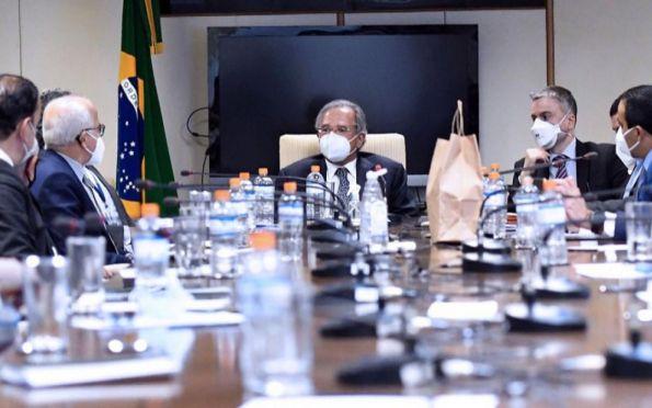 Em reunião com Guedes, Edvaldo defende aporte de R$ 5 bi para transporte coletivo