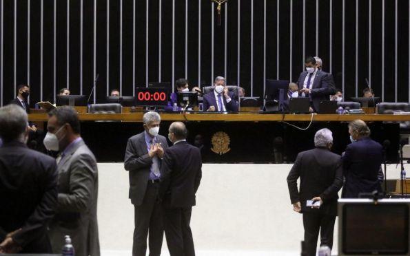 Câmara aprova MP que altera regras de fundos constitucionais