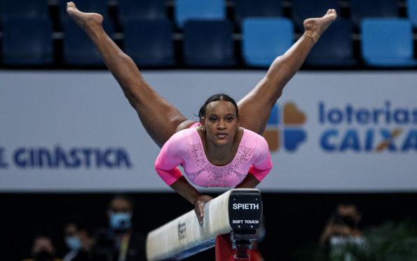 Medalhista olímpica Rebeca Andrade participa de competição em Aracaju