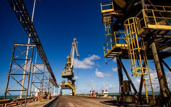 Terminal Marítimo Inácio Barbosa renova parceria com Mineração Caraíba