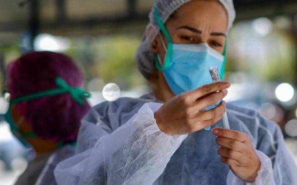 Vacina contra Covid: 45% da população acima de 12 anos está imunizada