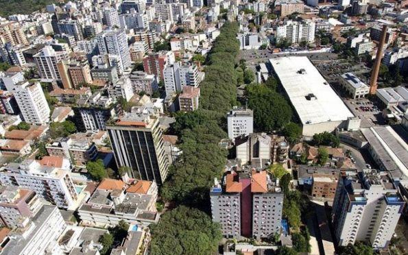 Você sabia que a rua mais bonita do mundo fica em Porto Alegre?