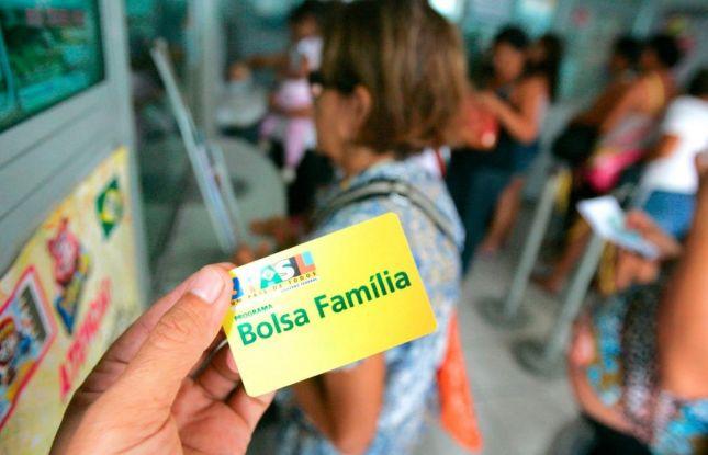 Mais de 40 mil famílias sergipanas aguardam na fila de espera do Bolsa Família