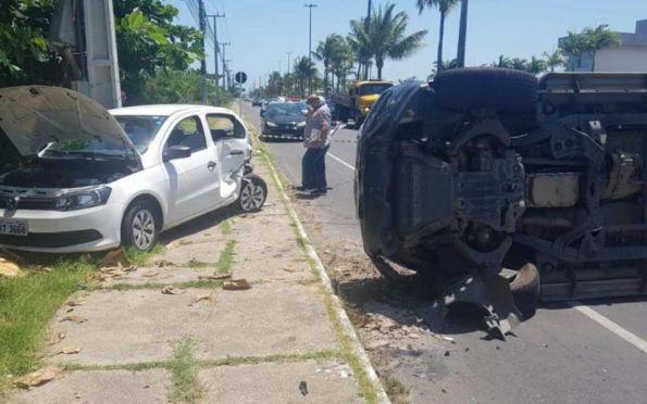 Acidente na avenida Melício Machado, em Aracaju, deixa uma pessoa ferida