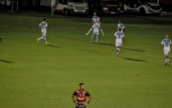 Com gol no 1º tempo, Confiança bate o Vitória pela 29ª rodada da Série B