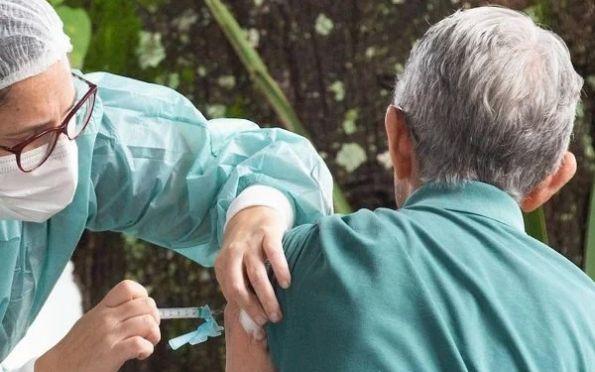 Covid: 51,5% dos brasileiros com 12 anos ou mais estão totalmente imunizados