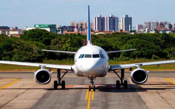 Passagens aéreas ficaram 56,8% mais caras nos últimos 12 meses