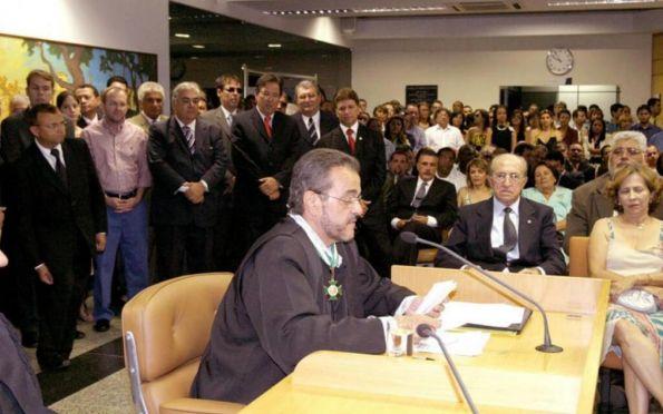 Pleno decide pelo retorno do conselheiro Flávio Conceição ao TCE