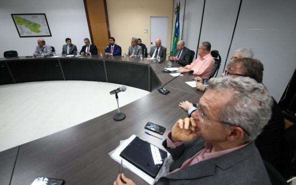 Fafen: Governador discute com empresários retomada das operações
