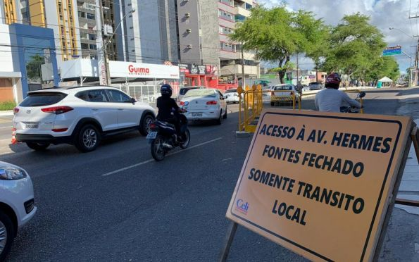 Vias em obras continuam com trânsito em meia pista nesta sexta