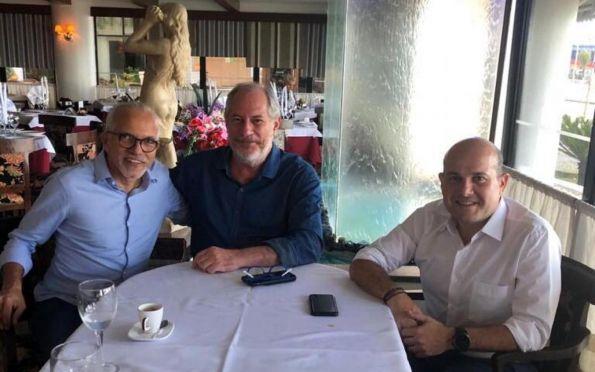 Edvaldo Nogueira vai a Fortaleza e define filiação ao PDT