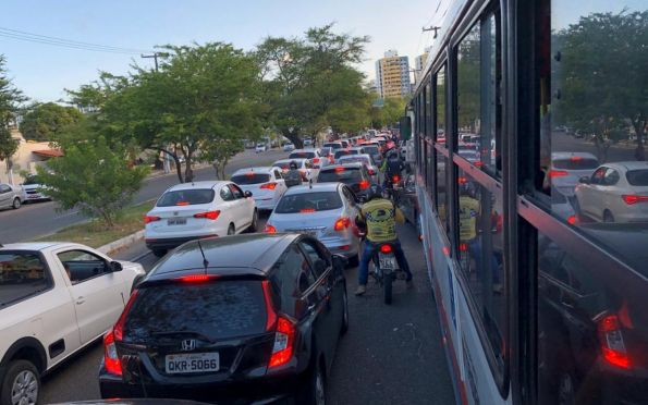 Estimular uso do transporte coletivo pode melhorar trânsito de Aracaju