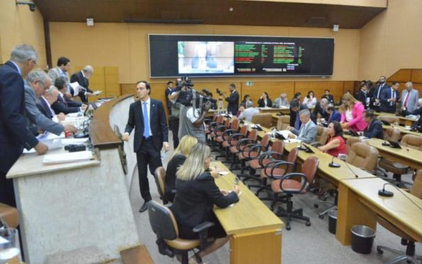Samuel Carvalho assume liderança da oposição na Assembleia Legislativa