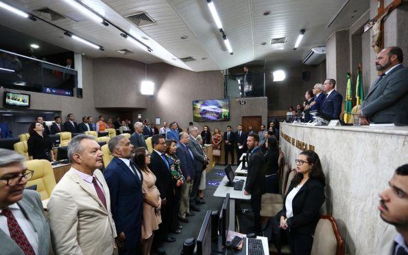 Edvaldo apresenta balanço da gestão na abertura de sessão na Câmara