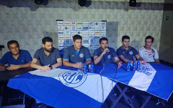 Matheus Costa é apresentado como novo treinador do Confiança