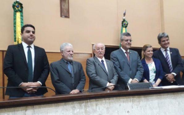 Mesa diretora eleita para o biênio 2021/2022. Foto: Aldaci de Souza/Alese