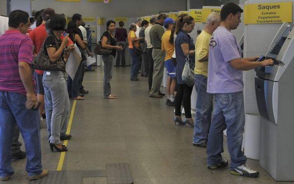 Agências bancárias abrem a partir de 12 horas desta quarta