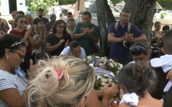 Corpo de caminhoneiro morto no Mato Grosso do Sul é sepultado em Aracaju