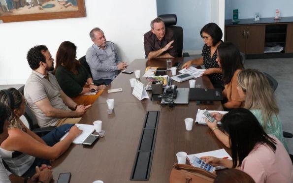 Secretário reúne rede hospitalar para atualizar protocolo do Coronavírus
