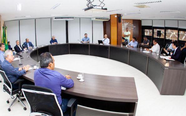 Reunião se estendeu até o começo da noite no Palácio dos Despachos. Foto: Mário Sousa/ASN