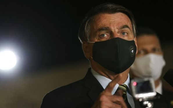 Bolsonaro fala em reabertura