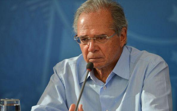 Guedes defende saída da 'letargia econômica' em dois estágios