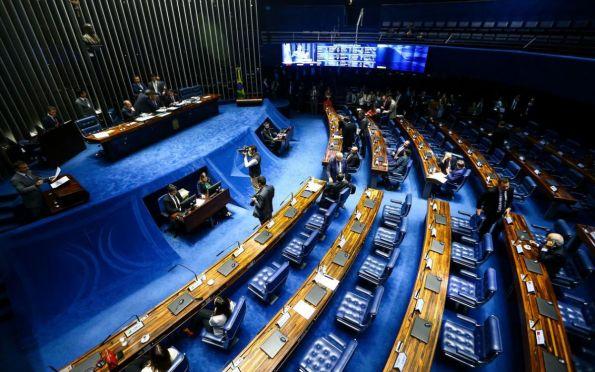Senadores cobram votação de PEC do foro privilegiado, há sete anos em análise