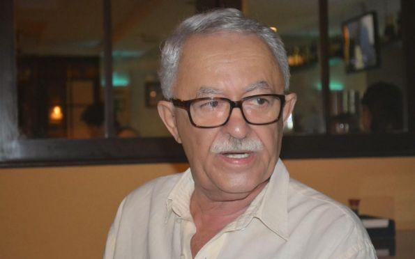 Políticos e jornalistas lamentam a morte do escritor Amaral Cavalcante